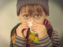 förkyld pojke